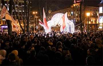 О чем говорили белорусы на площади Свободы