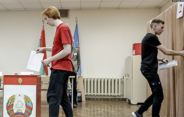 Observers: What Happens At Minsk Voting Stations Is Just Nonsense