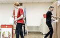 Как белорусы прогоняют фальсификаторов из своих домов