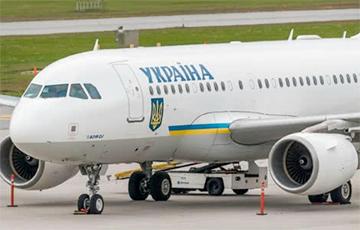 СМИ: У самолета Зеленского отказал двигатель