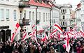 Люди, эмоции, символы: как белорусы провожали Калиновского по улицам Вильни