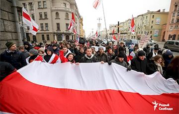 Uladzimir Arlou At Square: Do You Remember Rebels' Codeword?