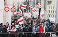 Колонна протестующих в Минске двинулась в сторону посольства России