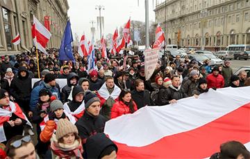 Беларус на акцыі ў Менску: Не веру ніводнаму слову Лукашэнкі