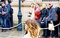 Активистки Femen в Париже пытались прорваться на «нормандскую встречу»