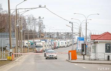 Мінтранс пракаментаваў недахоп «дазволаў» на ўезд у Польшчу