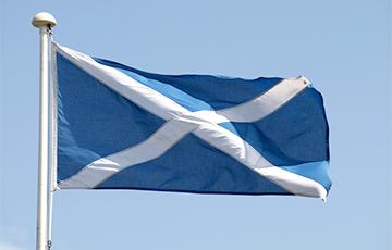 Шотландские националисты могут получить рекордное большинство в местном парламенте