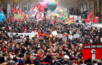На фоне протестов правительство Франции отменило пенсионную реформу