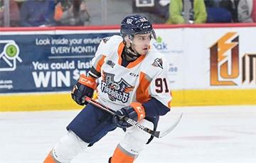 Клуб НХЛ подписал контракт с белорусом Евгением Оксентюком