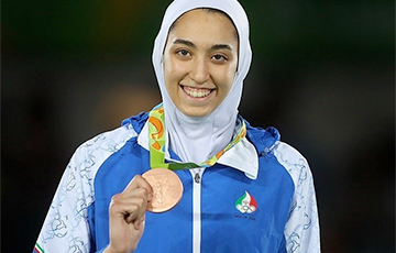 Единственная иранская спортсменка, ставшая призером Олимпиады, сбежала из страны
