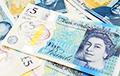 Стало известно, кто шесть лет подбрасывал пачки денег жителям английской деревни