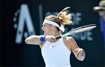 Соболенко одержала волевую победу в матче с Се Шувэй на старте турнира в Аделаиде