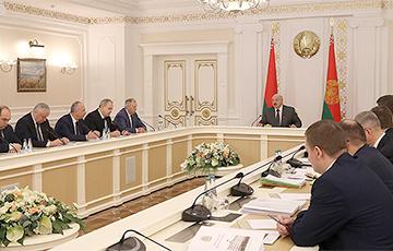 Лукашенко: Откуда так быстро разбогатели эти люди?