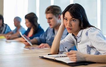 Ученые рассказали о пользе многочасовых совещаний