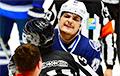 Видеофакт: Белорусский хоккеист вступился за партнеров по команде и уложил на лед двухметрового чеха