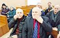 У Гародні актывісты ў судзе заклеілі сабе раты і праспявалі гімн БНР