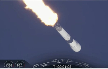 SpaceX запустила ракету с 60 интернет-спутниками