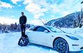 Відэафакт: Канадзец перарабіў Tesla Model 3 у снегаход