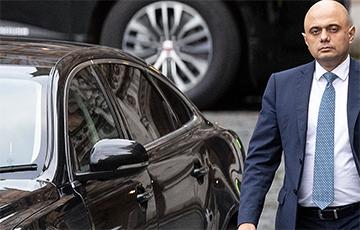 Сразу четыре министра из правительства Британии ушли в отставку