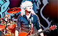 Видеохит: Гитарист Queen дал сольный концерт для коалы
