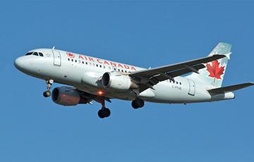 Видеофакт: Самолет Air Canada сел в аэропорту Торонто без колеса