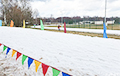 З лыжнай трасы ў Вяснянцы жаўнеры павязуць снег у Раўбічы?