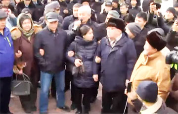 По Казахстану прокатилась волна протестов