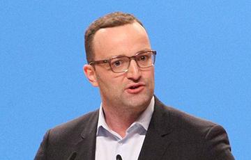Немецкий министр снялся с гонки за пост лидера партии Меркель