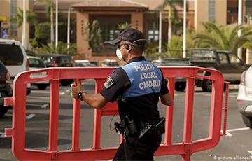 Сотни туристов в отеле на Тенерифе проверяют на коронавирус
