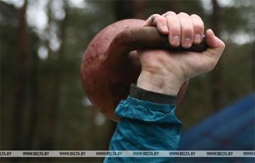 Белорус установил мировой рекорд в поднятии гири