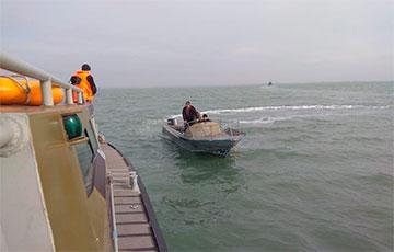 Затрыманыя расейцамі ў Азоўскім моры ўкраінскія рыбакі вярнуліся на радзіму