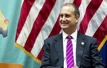 В США коронавирусом заразился первый конгрессмен