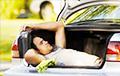В Польше мужчина три дня прожил в машине, ожидая результата теста на коронавирус