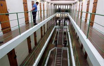 Во Франции из-за коронавируса освободили более 6000 заключенных