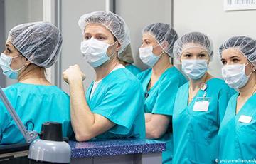 Белорусских врачей призвали рассказать ВОЗ правду о ситуации с COVID-19 в стране