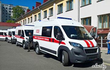 Белорусский врач: Мы идем в окопы, а власть воюет на чужой стороне