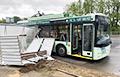 В Минске ветер сдул остановочный навес на троллейбус