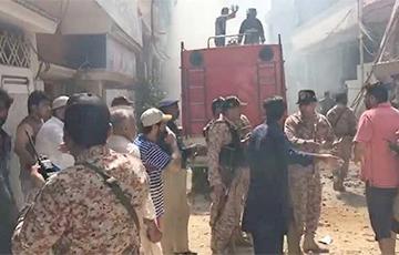В Пакистане разбился пассажирский самолет