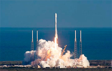 Falcon 9 паспяхова прайшла выпрабаванні перад запускам Crew Dragon