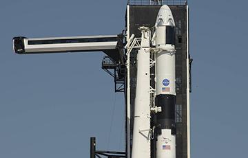 Корабль Илона Маска отстыковался от МКС для возвращения на Землю: онлайн-трансляция