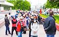 Несколько тысяч гомельчан пришли на пикет Тихановских (Онлайн)