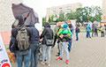 «Увидели в интернете объявление и бегом сюда»: как Пинск стоял в очереди за свободой