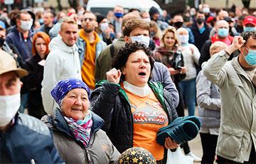 Марина Адамович: Вся страна просит Лукашенко уйти