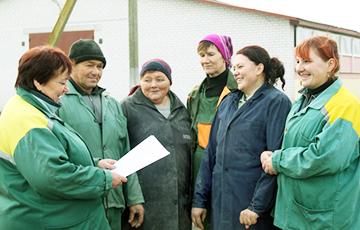 Под Каменцем работники аграрного комплекса отказались cтавить подписи за Лукашенко
