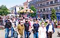 В Бресте новые собственники завода АКБ вышли на площадь к протестующим