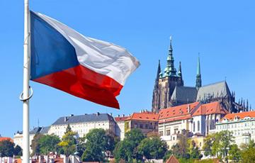 В Чехии закрепят в конституции право граждан защищать свою жизнь с оружием