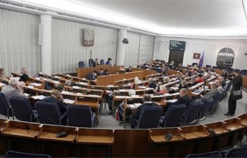 Сенат Польши утвердил новую программу помощи бизнесу