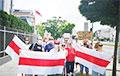 Белорусы Варшавы установили палатки возле посольства Беларуси