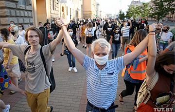 Украинский политолог: Вертикаль власти в Беларуси может рухнуть внезапно