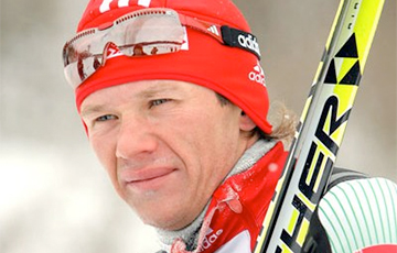Most Famous Belarusian Skier Refused To Remove National Flag From His Balcony